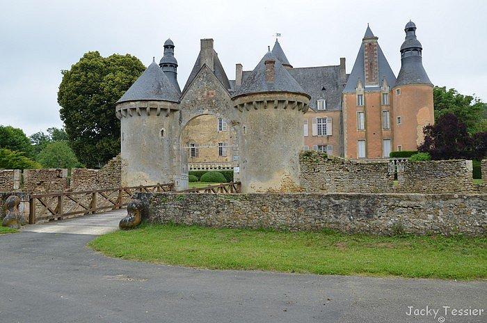 Chateau_Semur