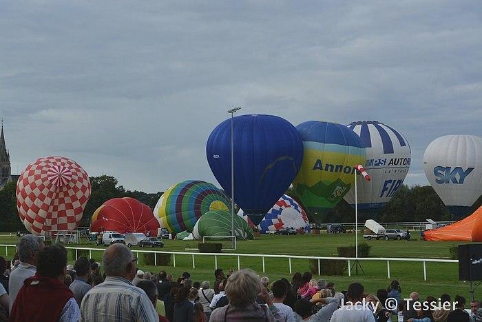 Depart montgolfieres